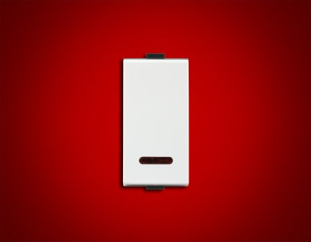roma-plus-10ax-1-way-switch-with-led-indicator-1m-min