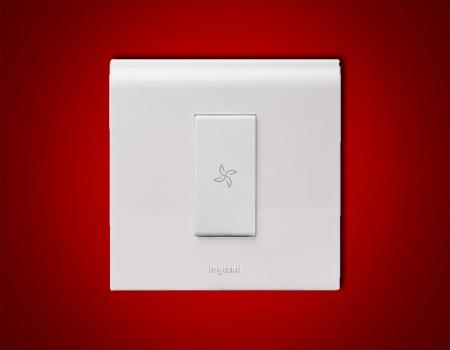 Myrius 6 A Switch 1 W with Fan